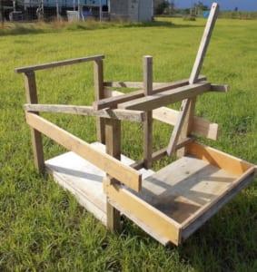 ゆうきさんの手作り山羊保定台